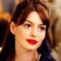 Anne Hathaway: Allison, Andy, Jane, Kym e le altre - Abiti su misura