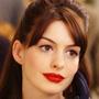 Anne Hathaway: le foto raccontano - Anne in Il diavolo veste prada