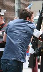 Bounty Hunter: le foto della Aniston e di Butler sul set - Milo (Gerard Butler)