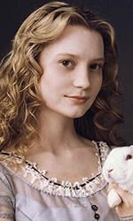 Alice in Wonderland: nuove immagini dei protagonisti - Alice (Mia Wasikowska)