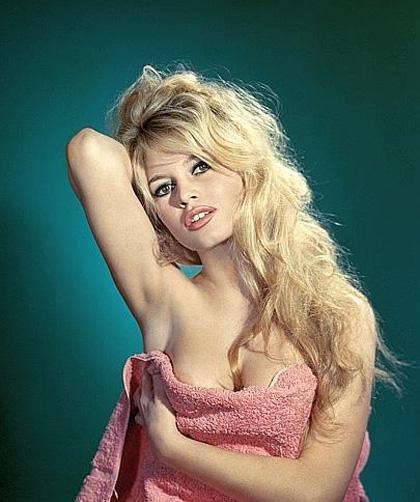 Parigi ricorda la leggenda di Brigitte Bardot - Effetto nostalgia
