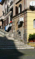 La Roma dei Cesaroni - La scalinata