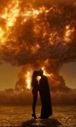 Watchmen, 25 nuove immagini - Spettro di Seta II e Gufo Notturno II, un bacio esplosivo