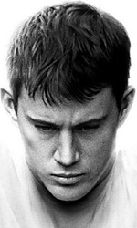 Fighting: uscito il poster dell'ultimo film di Tatum - Tatum � uno streetfighter
