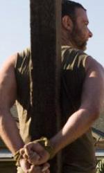 X-Men origini: Wolverine, nuove still - Logan (Hugh Jackman) e Creed(Liev Schreiber) sotto tiro