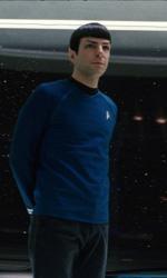 Star trek: nuove immagini - Sopra Spock (Zachary Quinto) da solo, sotto con Nyota Uhura (Zoe Saldana)