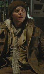 Star trek: nuove immagini - Sopra Simon Pegg (Scotty), sotto una scena del film