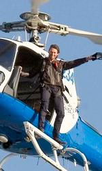 Wolverine testimonial per il latte - Jackman saluta i fans dall'elicottero