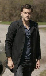 Fringe: confermata la seconda stagione - Joshua Jackson è Peter Bishop