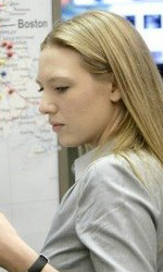Fringe: confermata la seconda stagione - Anna Torv è l'agente Olivia Dunham