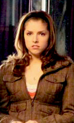 New Moon: Stewart e Lautner sul set del cinema - Bella (Kristen Stewart) e Jessica (Anna Kendrick)