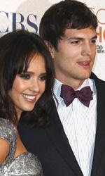 People's Choice Awards 2010: il red carpet - Ashton Kutcher (miglior celeb web) e Jessica Alba
