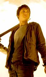 Il ladro di fulmini: prime immagini e terzo trailer di Percy Jackson - Percy con la sua spada, Anaklusmos/Riptide