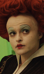 Alice in Wonderland: nuove featurette e 'Almost Alice' di Avril Lavigne - 1� fase della Regina di Cuori