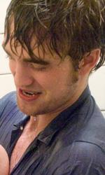 Remember me: la fotogallery, tre clip e una featurette - Una storia d'amore drammatica per Pattinson e la De Ravin