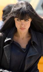 Salt: nuove immagini di Angelina Jolie e secondo trailer - Evelyn Salt (Angelina Jolie) in fuga