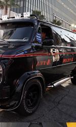 A-Team: Copley e Cooper su un carroarmato all'anteprima mondiale - Jackson arriva alla guida del furgoncino