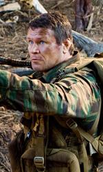 Predators: per uccidere un Predator, devi diventarne uno - Nikolai prende di mira un Predator