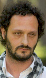 Goodbye, Mr Zeus!: l'uomo � un pesciolino rinchiuso in una boccia - Fabio Troiano