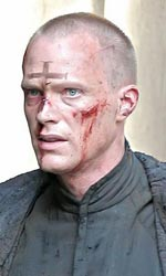 Il prete: prima foto ufficiale di Paul Bettany - Paul Bettany sul set