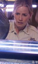 Piranha 3-D: troppo hot per il Comic-Con - Lo sceriffo Julie Forester