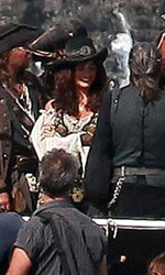 Pirates of the Caribbean: On Stranger Tides, Penelope Cruz con Depp sul set - Penelope Cruz arriva sul set hawaiano