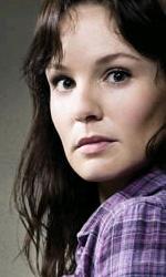 """The Walking Dead: la creazione del zombie, la """"ragazza sulla bicicletta"""" - Il character poster di Lori"""
