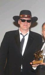 Venezia 2010: John Woo ritira il Leone d'Oro alla carriera - Tarantino, Woo e Tsui Hark