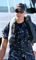Battleship: prime foto di Rihanna e Taylor Kitsch - Taylor Kitsch sul set