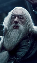 Harry Potter e i doni della morte: Magic is Might - Dumbledore mentre cade dalla torre