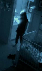 Paranormal Activity 2: gli easter egg nascosti nel trailer - Una donna che sembra Katie