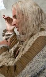 La featurette �Un epico finale� della 1a parte dei Doni della morte - David Yates mentre parla con Rhys Ifans. Sul set si pu� notare la macchina che stampa il Quibbler, il giornale diretto da Xenophilius Lovegood.