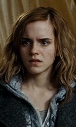 La featurette �Un epico finale� della 1a parte dei Doni della morte - Hermione mentre legge il libro