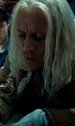 La featurette �Un epico finale� della 1a parte dei Doni della morte - Hermione, Ron e Harry a casa Lovegood mentre osservano Xeno disegnare i simboli dei Doni della morte.