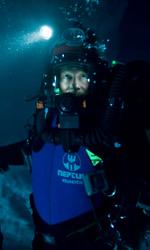 Un viaggio in 3D nella pi� profonda caverna del mondo - Frank McGuire durante l'esplorazione.
