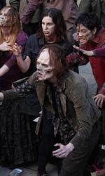 Se il vicino di casa è uno zombie... - L'assalto degli zombie