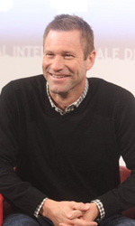 Il photocall e il red carpet di Aaron Eckhart - Il photocall