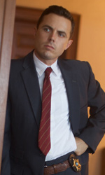 Sei ancora in tempo per fermarti, Lou - Casey Affleck interpreta Lou Ford.