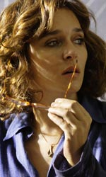 La photogallery del film La scuola è finita - Valeria Golino interpreta la professoressa Daria Quarenghi.