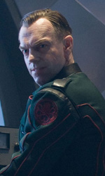 Prime foto ufficiali di Captain America: The First Avenger - Hugo Weaving con l'uniforme dell'Hydra nei panni di Johann Schmidt aka Red Skull.