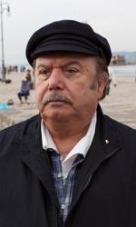 Lino Banfi torna a vestire i panni del nonno - Franco in una scena del film.