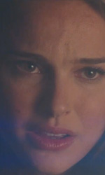 Trailer italiano e screenshoot del film Thor - Natalie Portman interpreta Jane Foster, la ragazza di Thor.