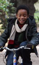 La fotogallery del film Un altro mondo - Andrea e Charlie in bici.