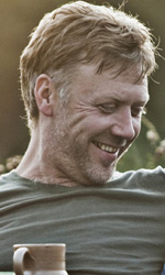 C'� un eroe in Danimarca - Susanne Bier, regista di In un modo migliore, riceve il premio Oscar per il miglior film straniero.