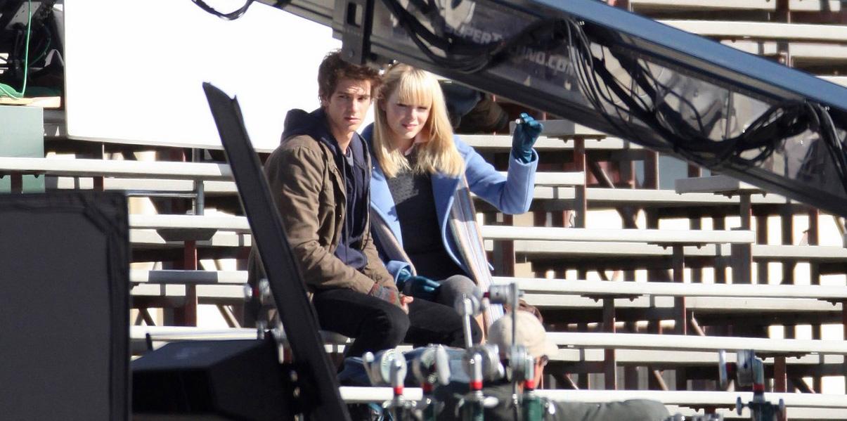 In foto Andrew Garfield (35 anni) Dall'articolo: Primo sguardo a Andrew Garfield nelle vesti di Peter Parker.