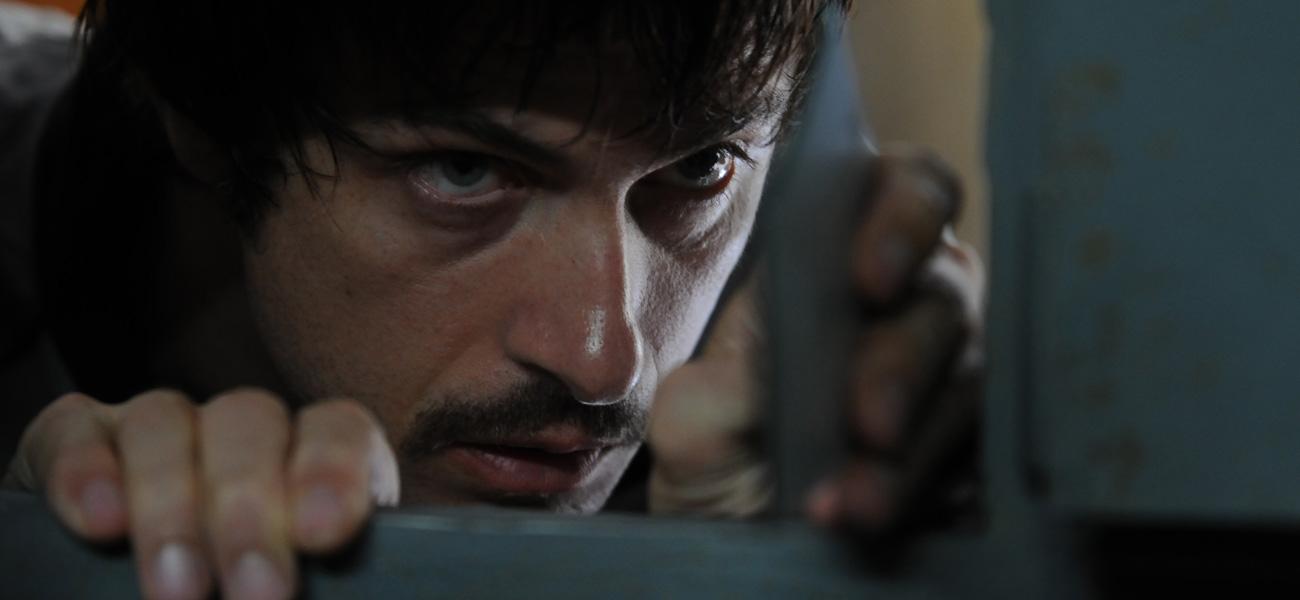 Kim Rossi Stuart nel film interpreta Renato Vallanzasca, il bandito che negli anni '70 terrorizz� Milano con rapine, sequestri, omicidi ed evasioni -