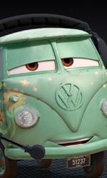 Online una nuova clip su Saetta McQueen - Fillmore il furgoncino hippie della Volkswagen degli anni sessanta.
