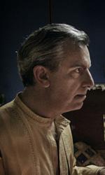 La fotogallery del film Into Paradiso - Alfonso indossa gli abiti tipici dello Sri Lanka.