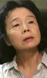 Poetry nelle sale da aprile - Yoon Hee-Jeong in una scena del film Poetry di Lee Chang-dong.