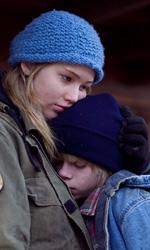 Un gelido inverno - Winter's Bone, le foto - Ree Dolly con il fratello in una scena del film.
